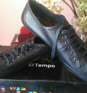 Кожаные новые ботинки