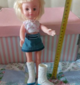 Кукла б\у 28 см высотой