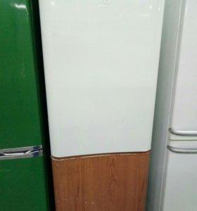 Холодильник бу Индезит рабочий