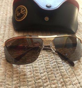 Солнцезащитные очки Ray Ban