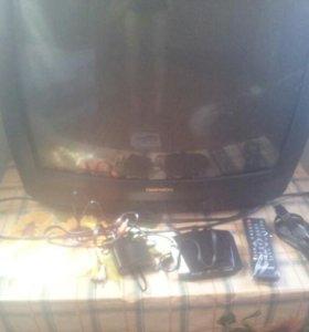 Телевизор DAEWOO и приставка