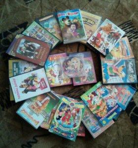 Отдам диски с мультиками и детскими фильмами