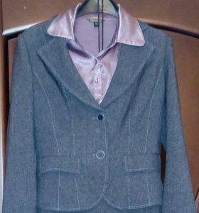 Костюм пиджак+юбка+блузка, S