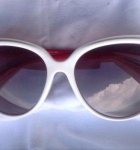 Новые Очки солнцезащитные белые