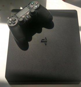 Продаю PS4 + 4 игры возможен обмен на пк