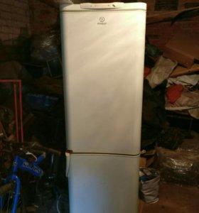 Холодильник б/у, нужен ремонт или на запчасти