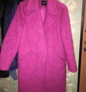 Пальто розовое 44