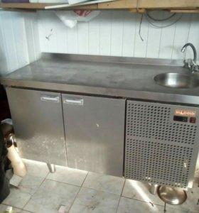Холодильный стол с раковиной