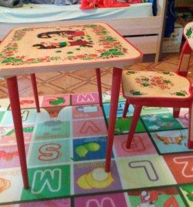 Стульчик и столик детские