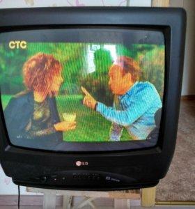 Телевизор LG + пульт, диагональ 51 см.