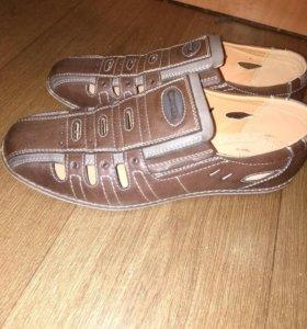 Кожаные туфли-сандали