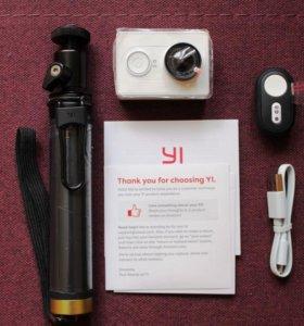 Экшн-камера Xiaomi Yi + монопод с блютуз пультом