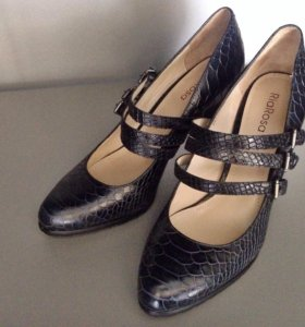 Новые кожаные туфли Эконика