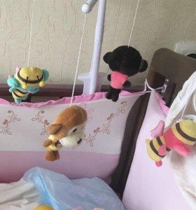 Мобиль в кроватку с мягкими игрушками.