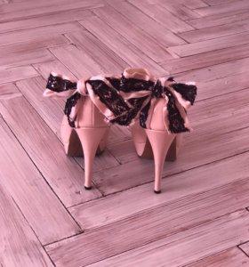 Туфли пудрового цвета