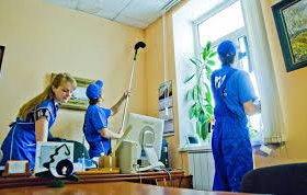 Требуется женщина для уборка дома