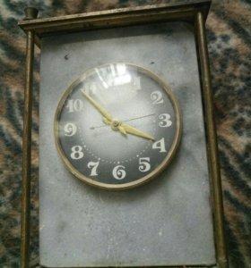 Часы гранитные в бронзе
