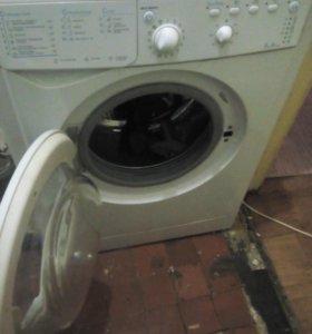 Стиральная машина INDEZIT IWSB5085 5 кг.