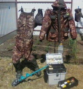Распродажа принадлежностей для зимней рыбалки