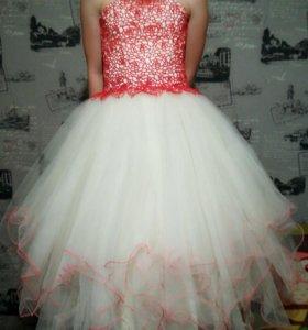 Платье пышное 7-9 лет