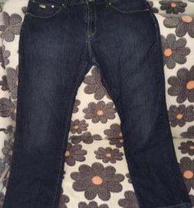 Продам джинсы Hugo Boss