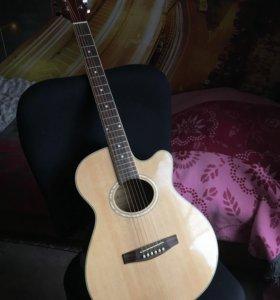 Акустическая гитара со звукоснимателем + ништяки.