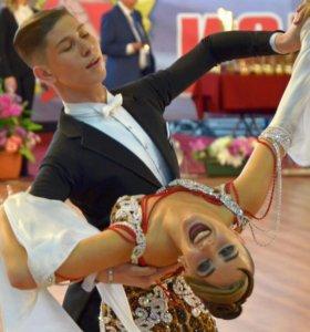 Пошив фраков для бальных танцев