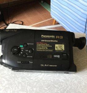Видеокамера Panasonic R3
