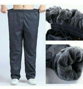 Новые брюки спортивные утепленные