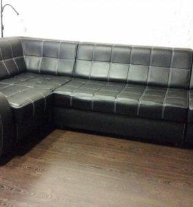 Продам кожаный угловой диван