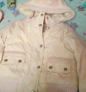 Курточка на девочку.