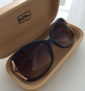 Очки солнцезащитные + футляр