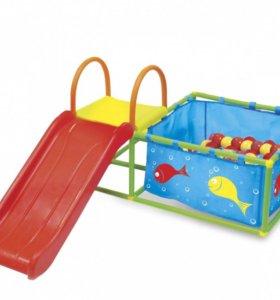 Горка с бассейном с цветными шариками