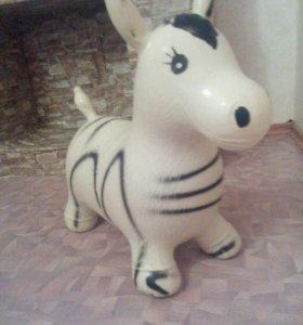 Надувная резиновая лошадь