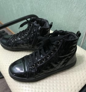 Ботиночки 32 размера в отличном состоянии