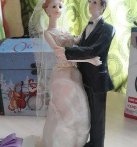 Статуэтка на свадебный торт