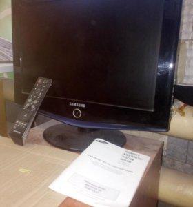 Телевизор с жидкокр. экраном