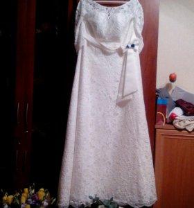 Свадебное платье нежное кружево 54-56 р.