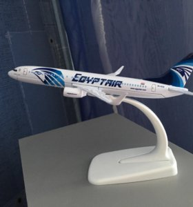 Модель самолёта Boeing 737 Egyptair