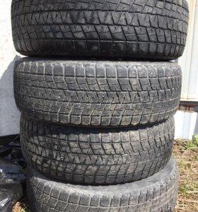 Шины Bridgestone 235/65/18 б/у 4 шт