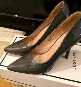 Туфли на каблучке лакированные Centro