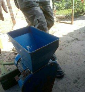 Машинка для помола зерна