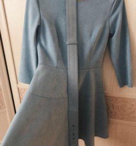 Платье из экозамши нежно-голубого цвета