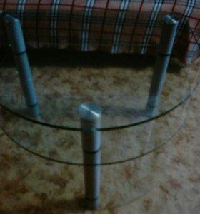 трехъярусный стеклянный стол