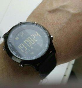"""Смарт часы Makibes EX18 """"год без подзарядки"""" новые"""