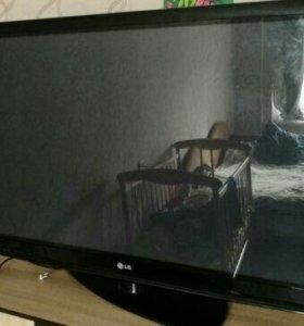 Продам LED Телевизор LG на 47д. 119см.