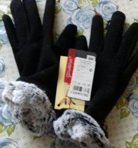 Новые перчатки и бандаж