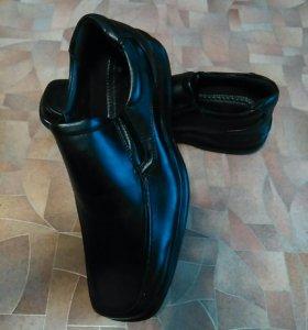 Туфли мужские , новые