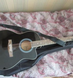 Комплект: гитара, чехол, ремень