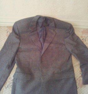 Мужской пиджак новый в живую выглядит красивее